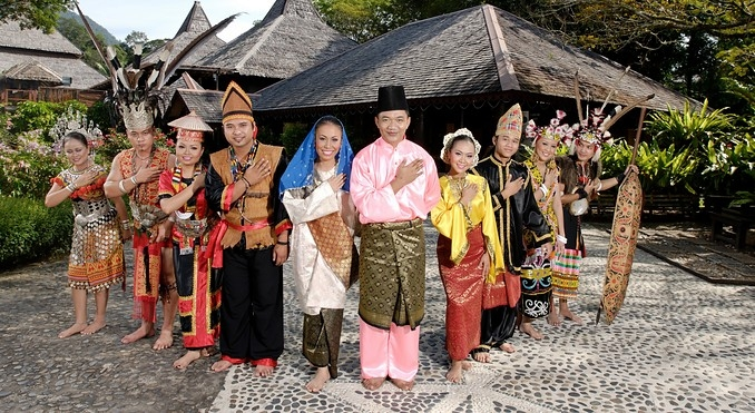 sarawak culture Sarawak culture tours - these single-day tours are designed for you to experience the multi-racial culture of sarawak, especially the indigenous tribes that have lived on the land for centuries.