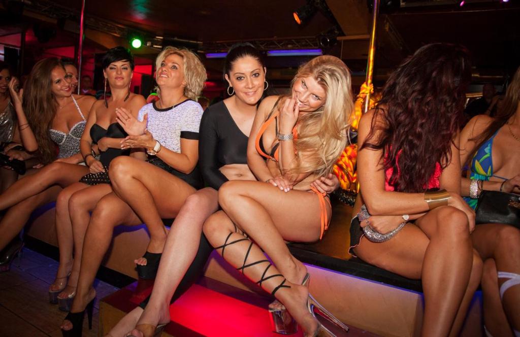 Клуба проститутки ночного