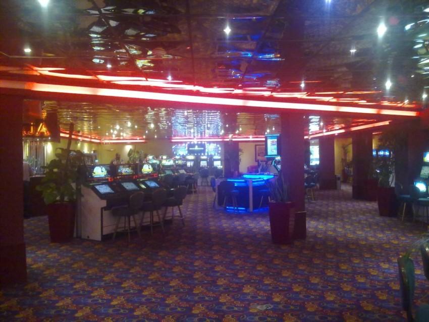 Atlantis world group casino golden eagle casino concerts