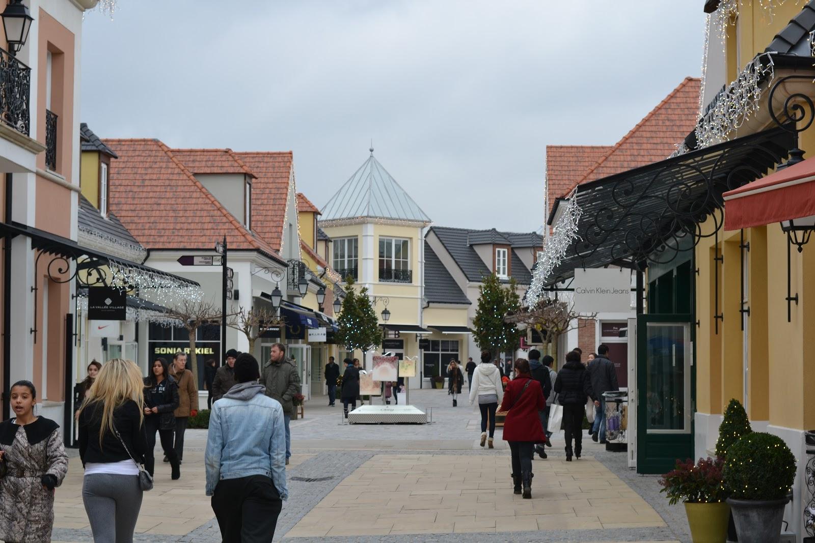 Nailloux fashion village enseignes 76