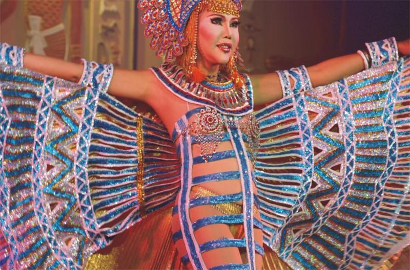 kievskiy-klub-transvestitov